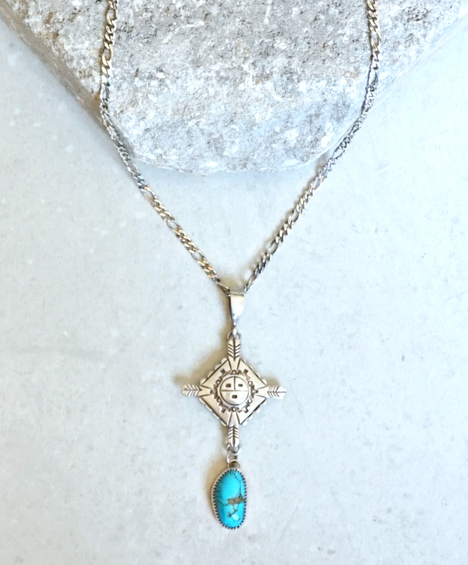 Tortuga necklace-min
