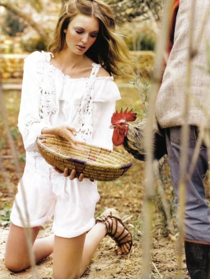 Elle Italy March 2010 Farmville
