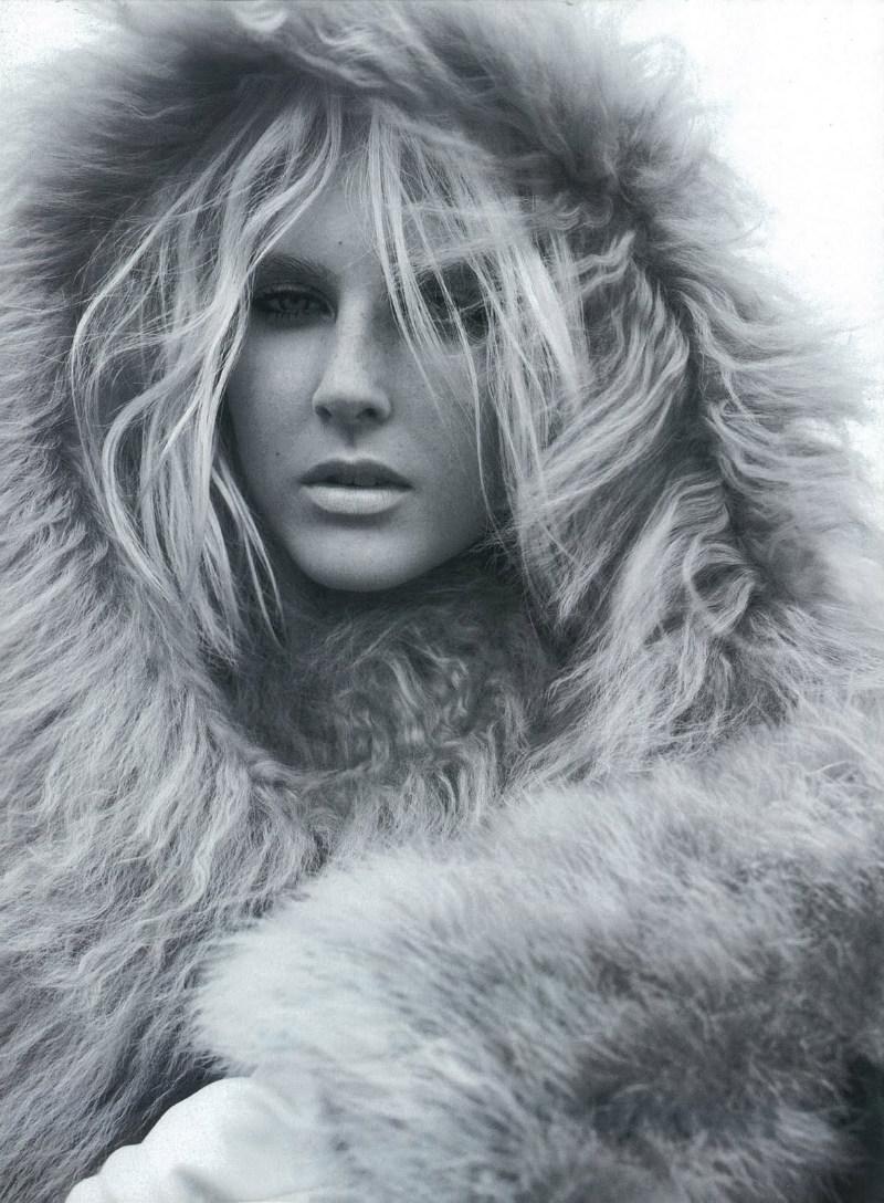 Miguel Reveriego shot model Lisanne de Jong