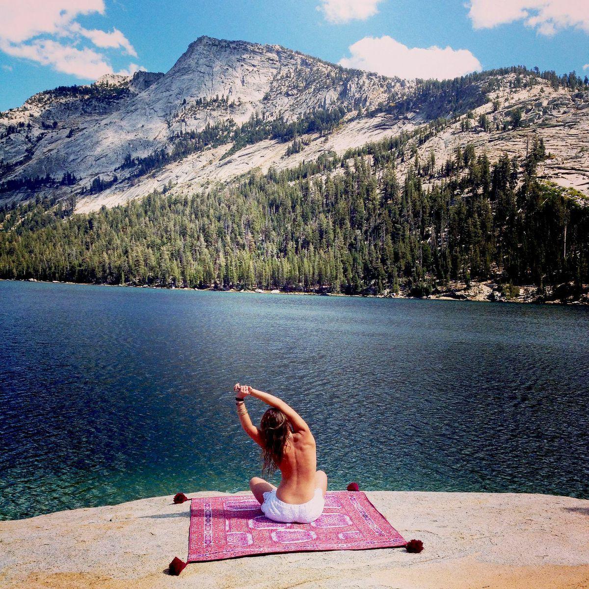 Wandering Folk - yoga