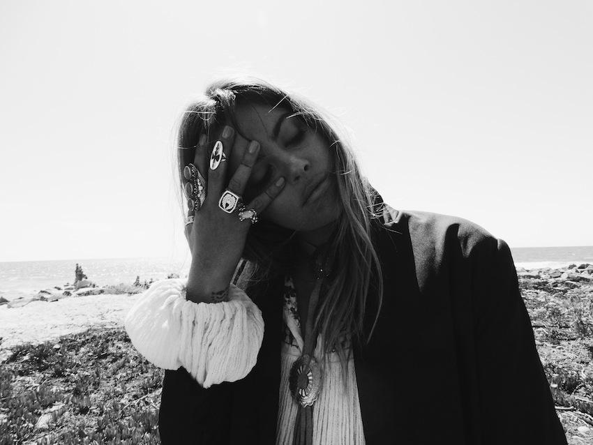 black and white - Mimi Elashiry