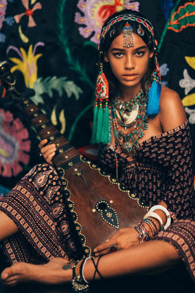 Photographer-NICOLINE-PATRICIA-MALINA-NPMPHOTO.-Model-Zahara-Fauve-Models.-Beauty-by-Rommy-Andreass.-Styling-by-Alia-Husin.-Jewellery-by-Alska-Mig.-Dress-by-Spell-Byron-Bay